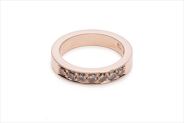 Lovely – rose gold and coffee diamonds