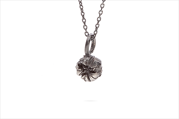 Flower necklace – oxidized silver