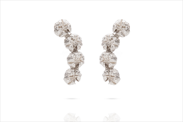 Flower band earrings – light silver
