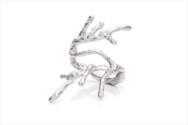 Branch, frosted – white gold and diamonds
