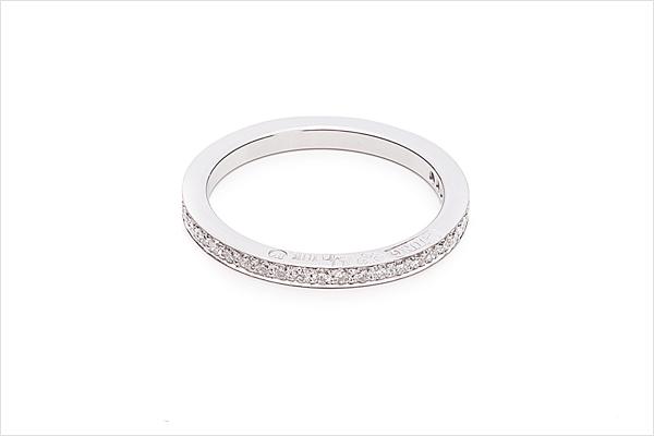 Elegans – white gold and diamonds