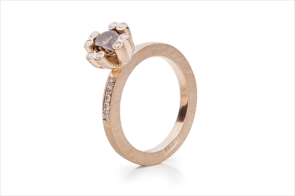 Shooting star – red gold and coffee diamond